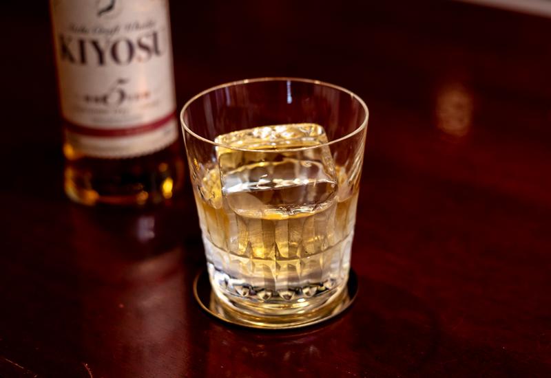 クラフトウイスキーキヨスの飲み方 ハーフロックのイメージ写真